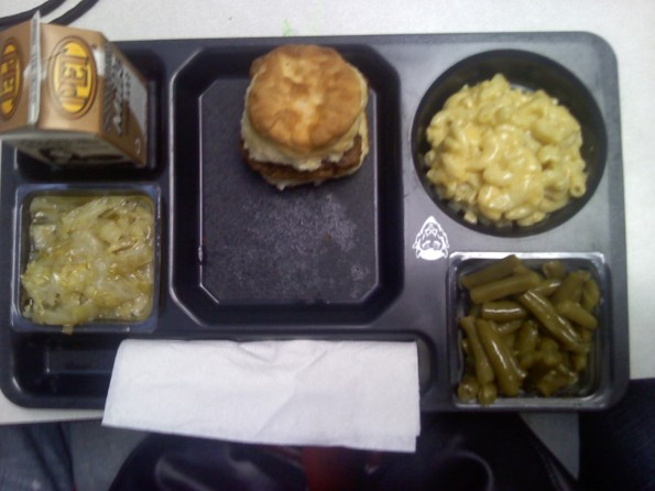 Biscuit, Mac & Cheese & Green Beans
